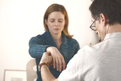 Hipnosis-Regresiones-Terapia Holistica.j