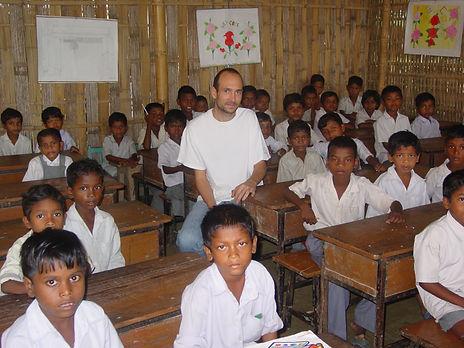 Tobi Scherbaum in der Jivon Jyoti School (2008)