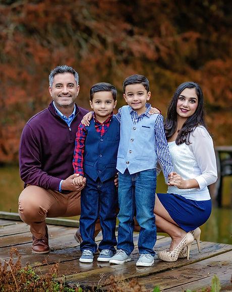Robin family_winter 2019.jpeg