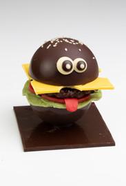 """Le burger """"Mac LHERAULT"""" création limitée au chocolat noir"""