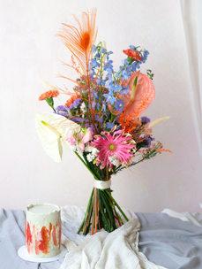 Mini cake + Bigger bouquet