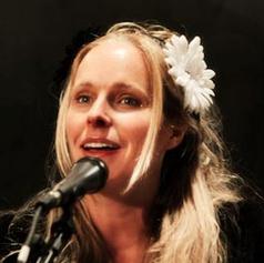 Amy Carr