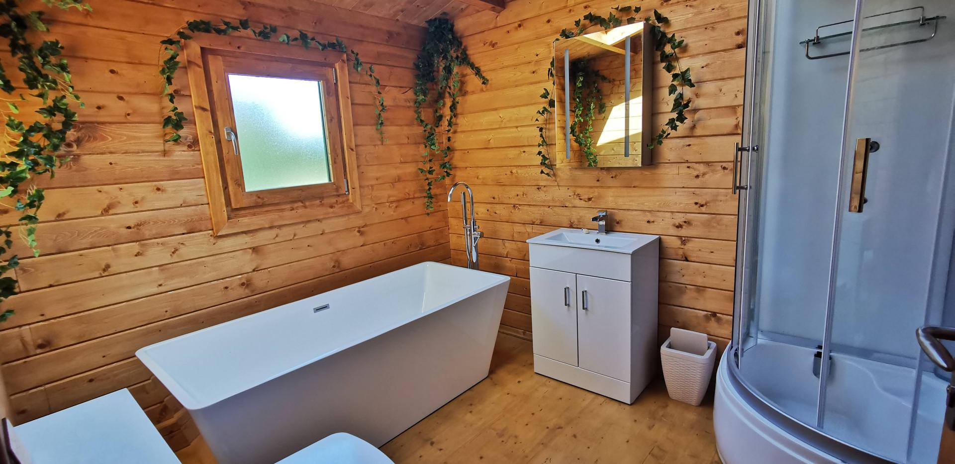 Bathroom Mam@Cwtch