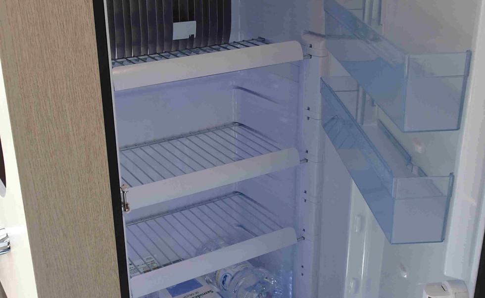 camping-car avec grand réfrigérateur, 150 l