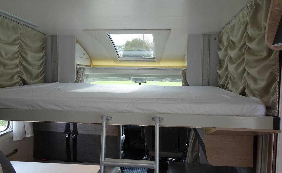camping-car pour 6 personnes avec lit double