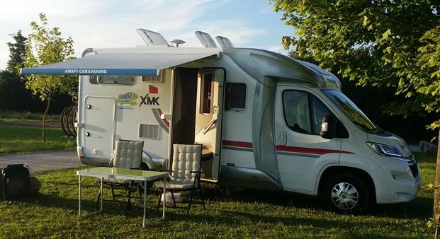 Camping-car 4 places avec auvent