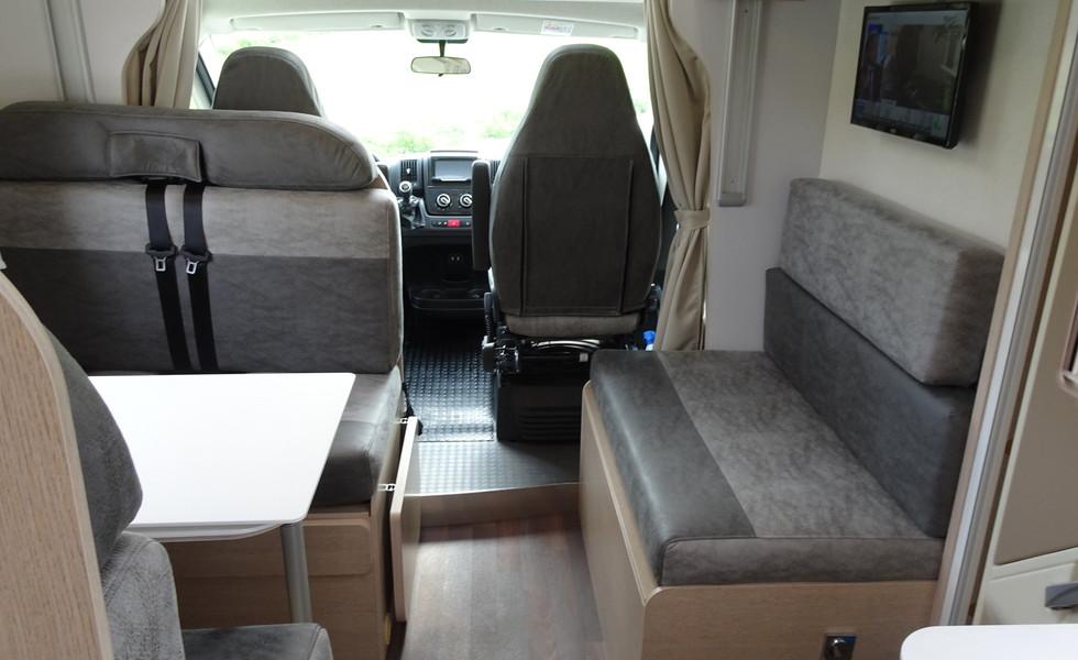 Camping-car confortable pour 6 personnes