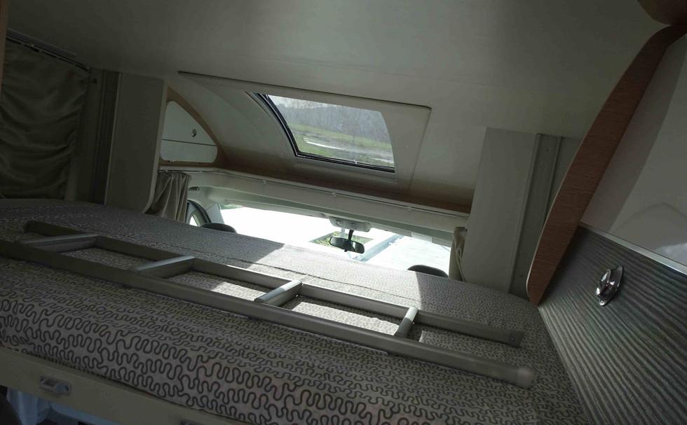 Autocaravana con cama doble muy comoda
