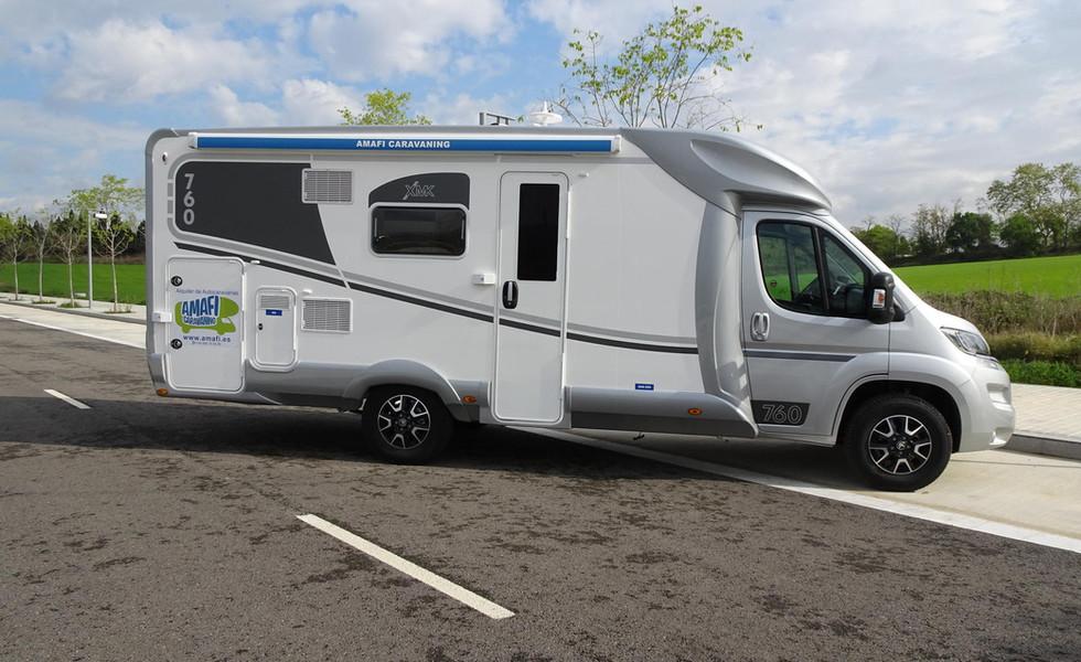 camping-car avec auvent