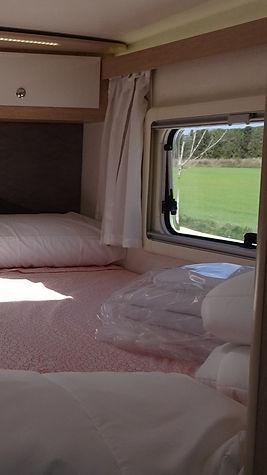 autocaravana con cama extragrande