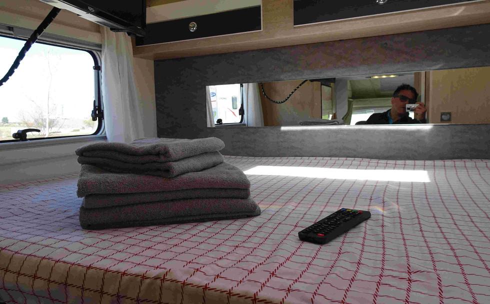 camping-car pour 4 personnes avec draps et serviettes