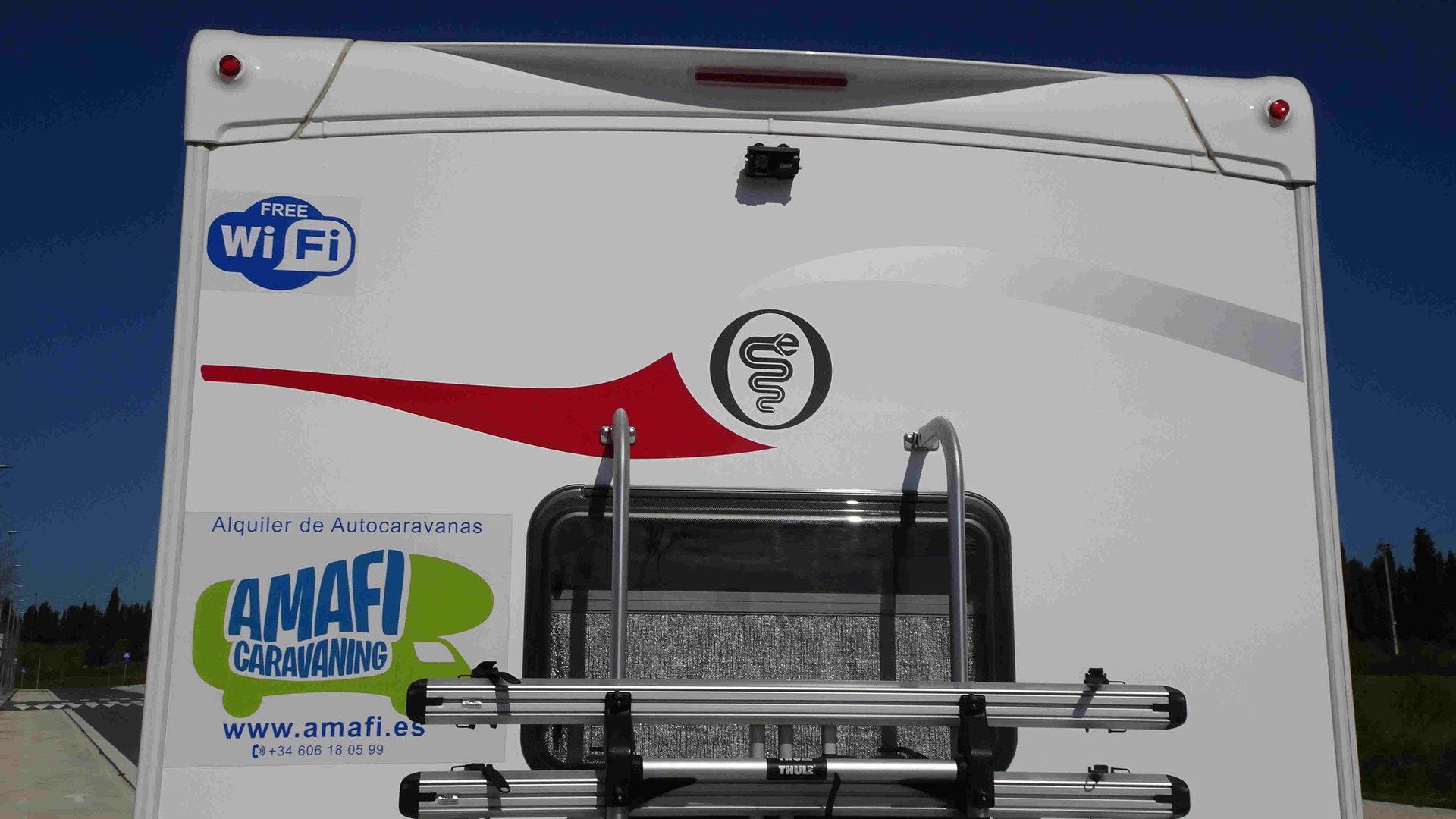 autocaravana con camara trasera