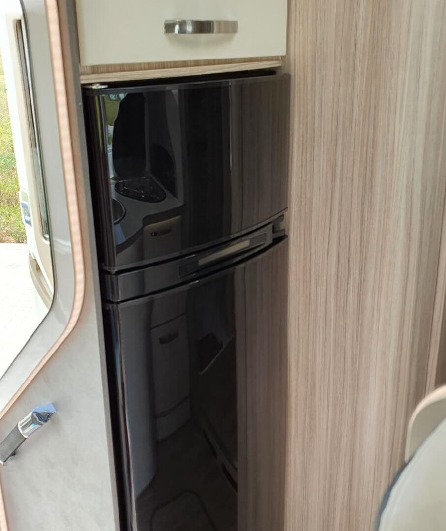 camping-car avec réfrigérateur 150 l