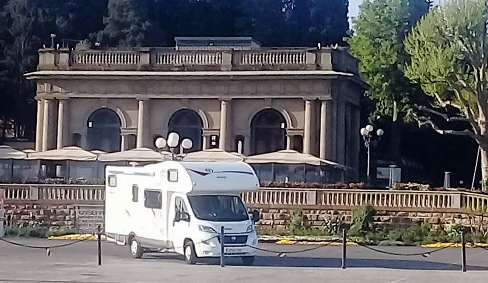 Florecia, Italy by motorhome