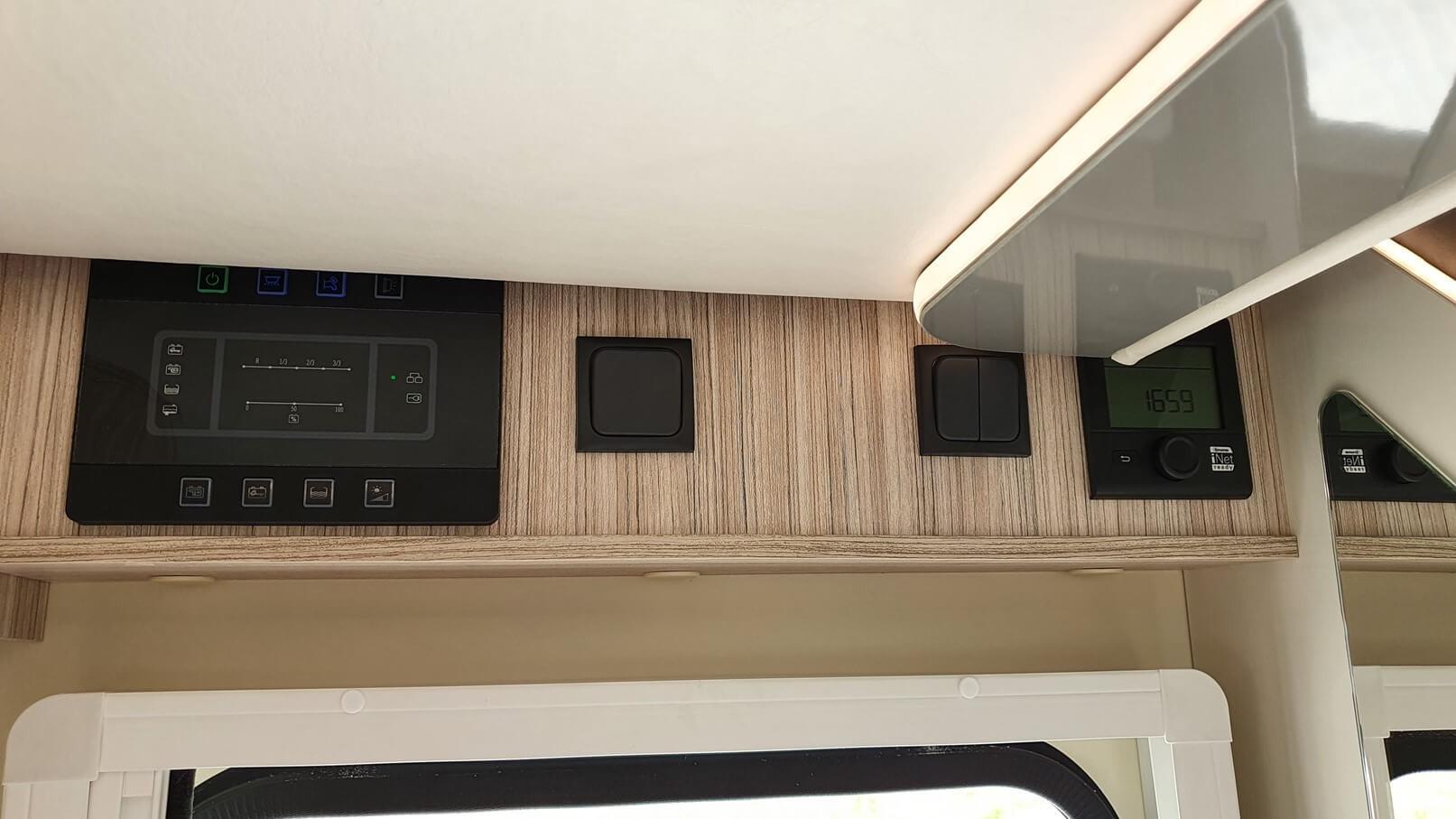 Autocaravana con tablero electronico