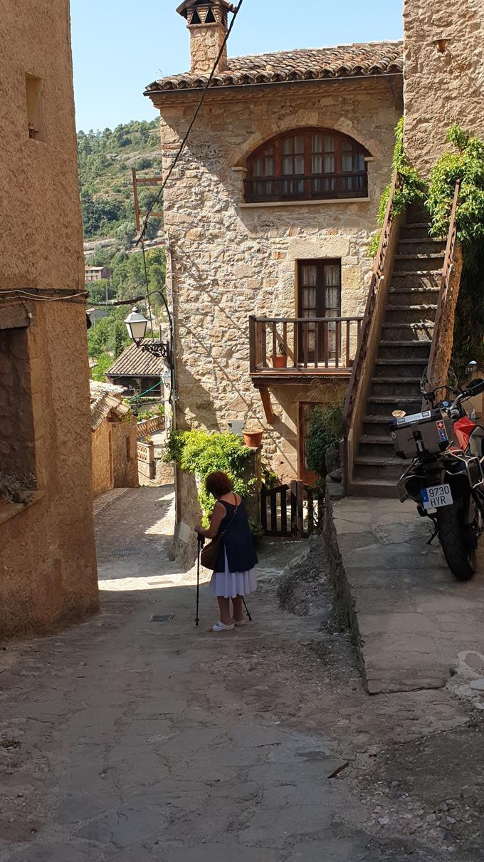 mura pueblo con encanto, barcelona