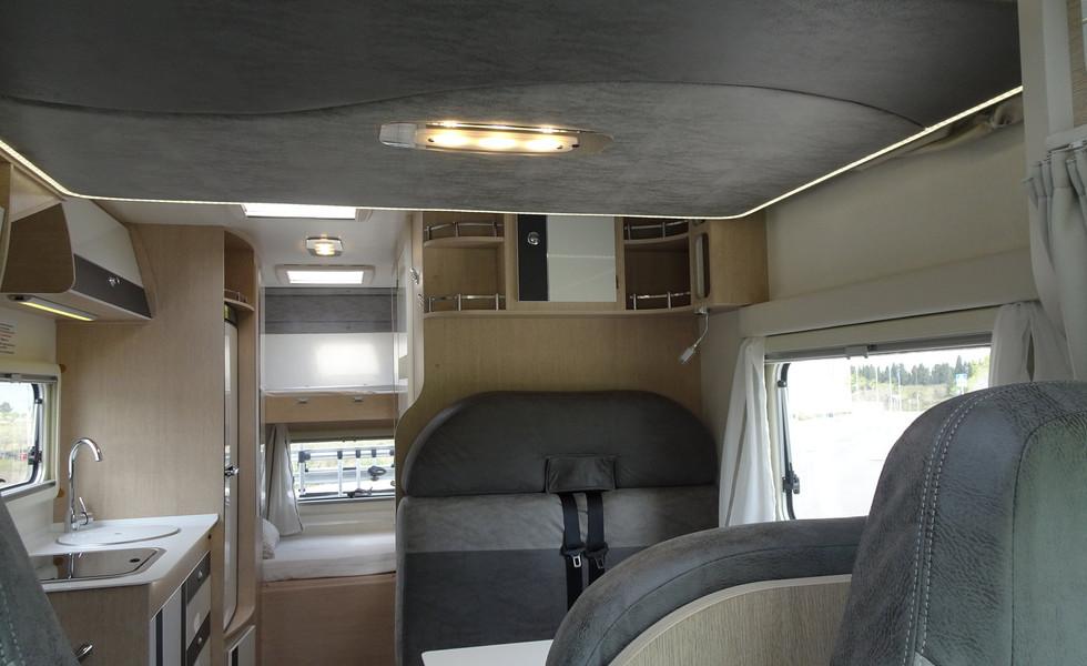 Camping-car 6 places avec lits superposés