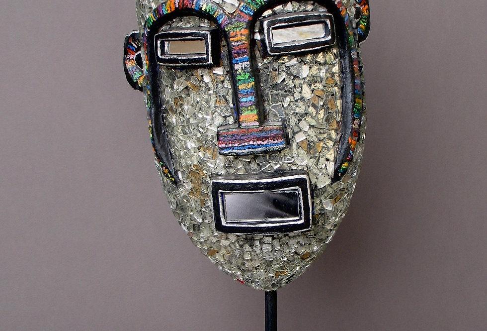 Masque africain en miroir