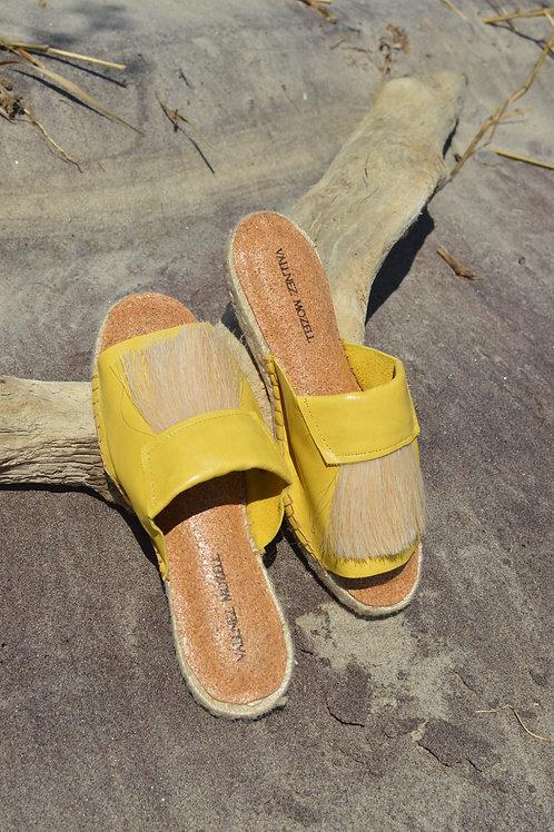 Barren Yellow