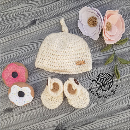 Wool - Beanie and booties set