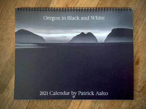 2021 - Oregon in Black and White Wall Calendar