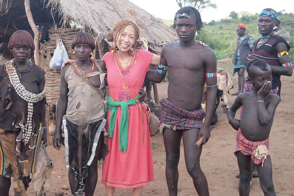 コジマサトコ in エチオピアのバンナ族と