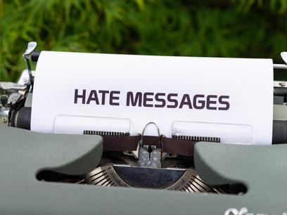 O discurso de ódio na internet: a importância do combate à intolerância