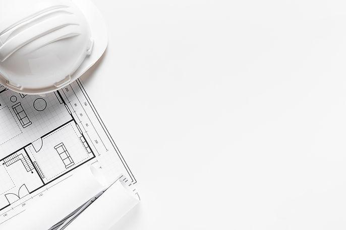 טריו הנדסה אזרחית | בדק בית | תמונה של שרטוט מבנה וקסדה