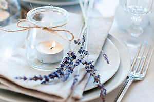 Place settings for a wedding rehearsal
