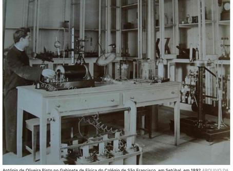Um jesuíta Português no laboratório da Madame Curie por Francisco Romeiras