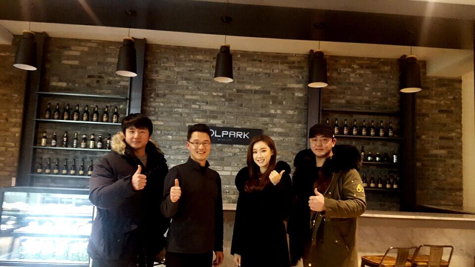 왼쪽부터 유선우(야구 해설위원),조명구(GOLPARK CEO),구새봄(스포츠 아나운서),MBC 김주용(前기아 선수)