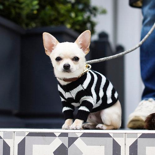 סוודר שחור לבן