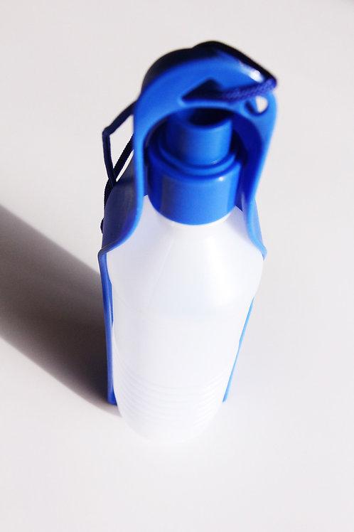 בקבוק לטיולים הנפתח לקערה