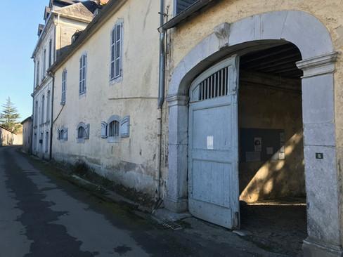 L'entrée côté rue