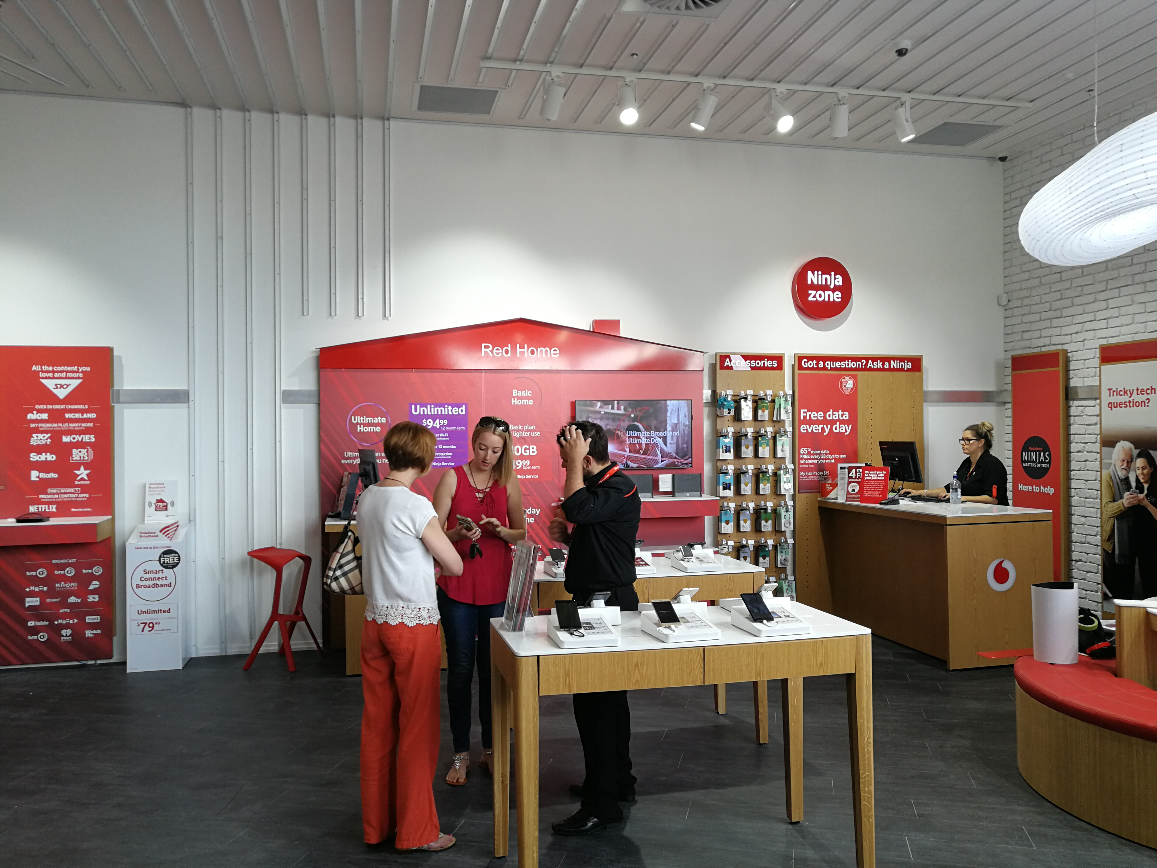 Onform Signs Vodafone Silverdale 3