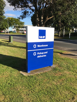 plinth signs auckland