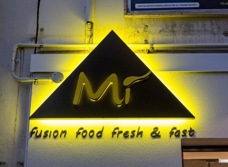 6 Reasons Your Business Should Consider Neon Signs