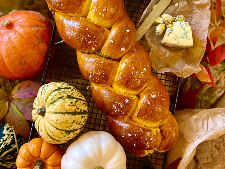 Pumpkin sage and stilton bread