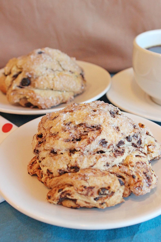 scone and tea