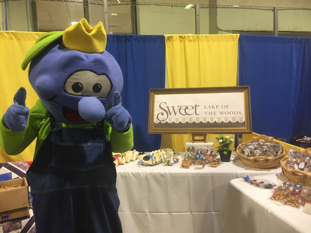 Sweet Lake of the Woods Booth at Trade Show
