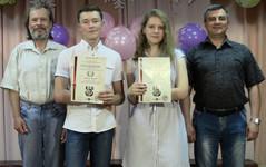 Грачева Анастасия, Мизев Никита, преподаватель Слободчиков С.А., директор Комаров Ю.А.