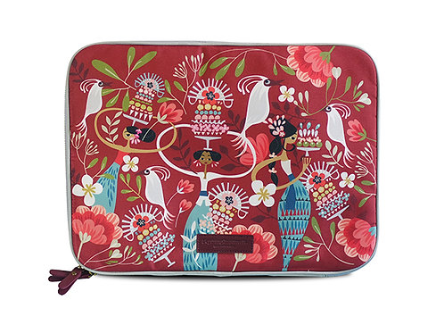 Tiga Dara Red Laptop Sleeve
