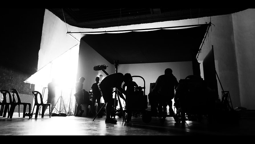 behind-the-shooting-of-video-online-commercial-pro-XZFRBBQ.jpg