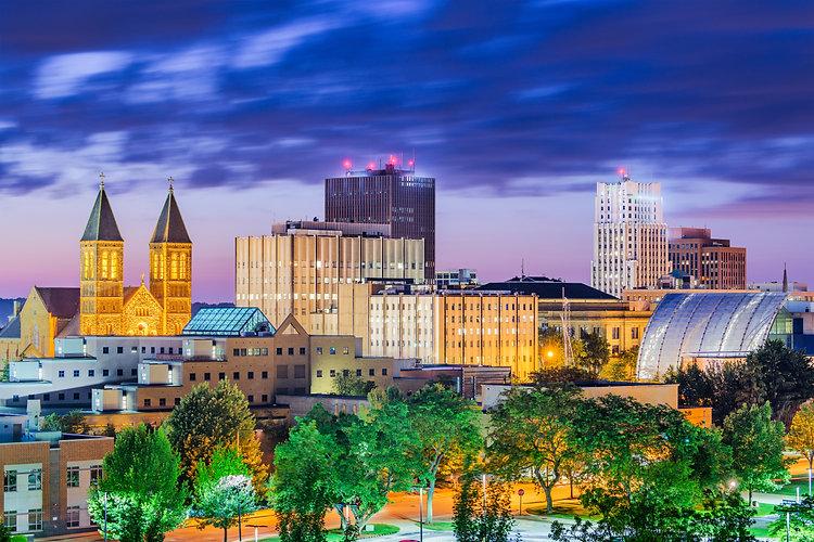 Akron, Ohio, USA downtown skyline at dus