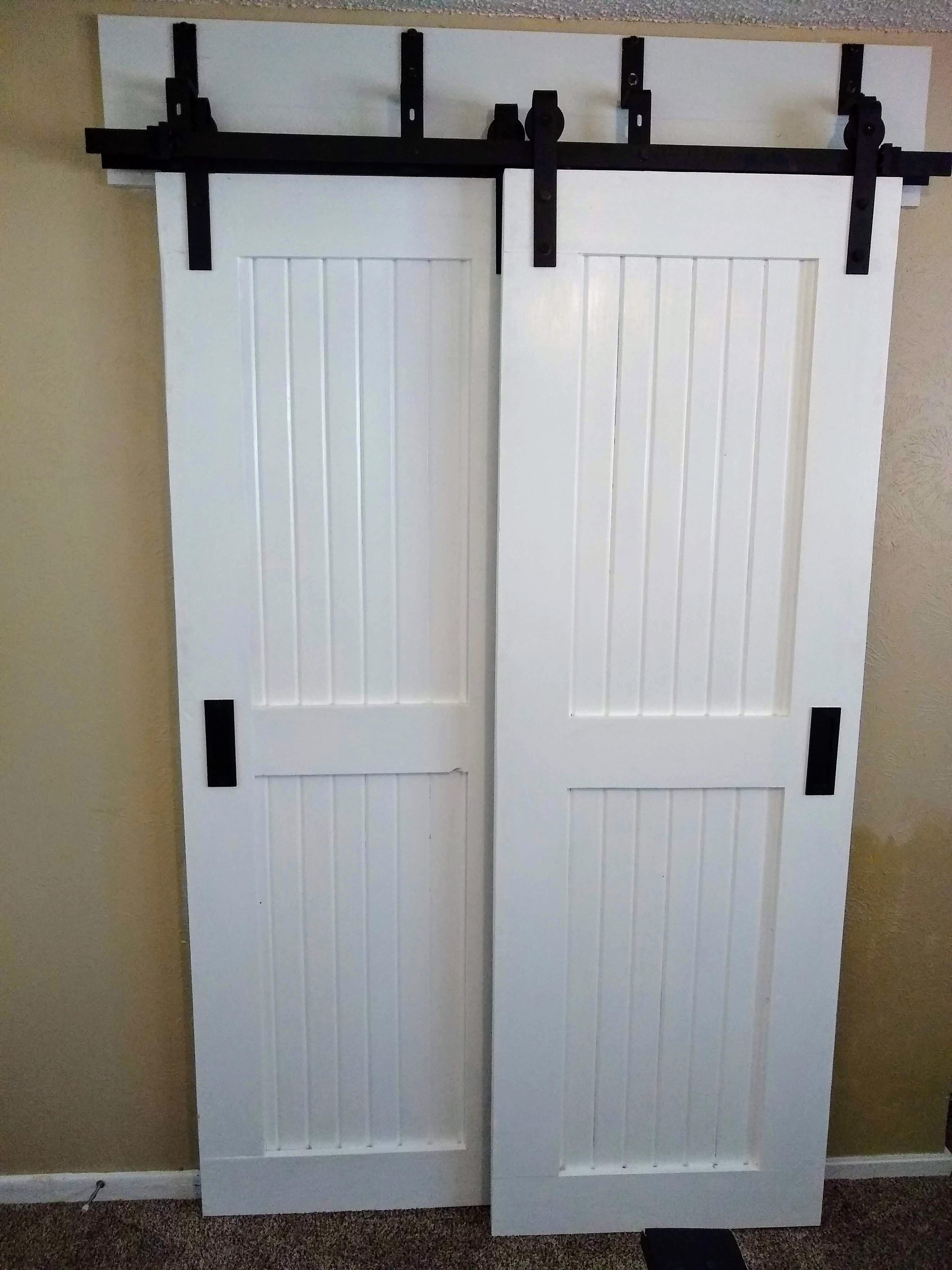 Bypass barn doors