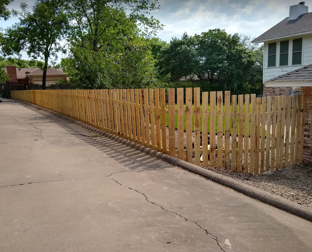 Pallet Picket Fence
