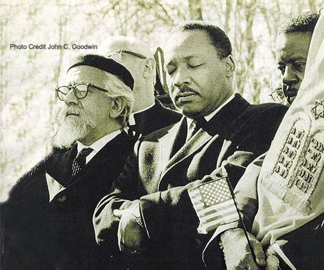 Abraham%20Heschel%20%26%20MLK%20in%201968%2C%20Photograph%20by%20John%20C_edited.jpg