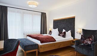 Sperlhof Zimmer 2.jpg
