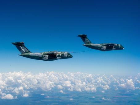Embraer concluye la calificación de reabastecimiento de combustible en vuelo entre dos KC-390