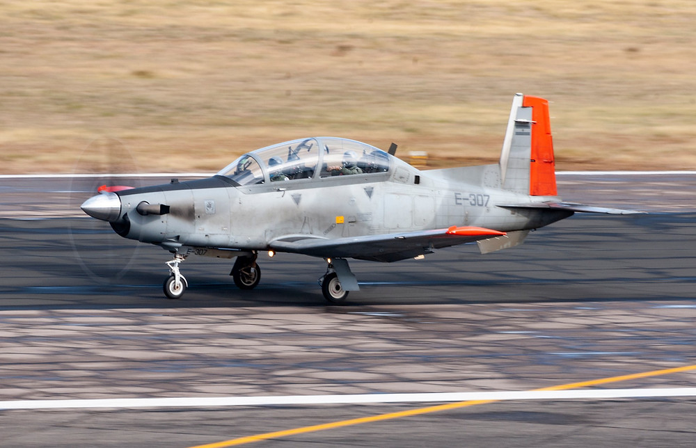 Un T-6C Texan II de la Fuerza Aérea Argentina, país que cumple con ellos la misma misión que espera cumplir la Fuerza Aérea Colombiana